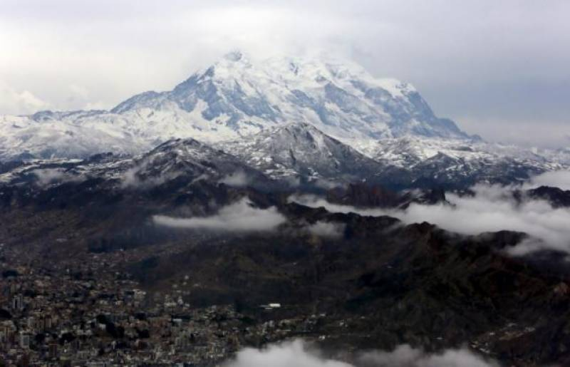Scientists rescue samples of melting Bolivian glacier