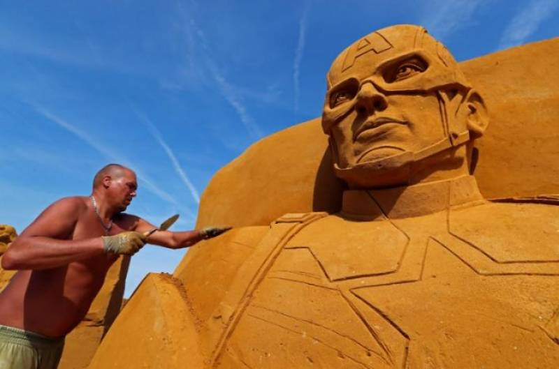 Belgian beach transformed into giant 'Sand Sculpture' gallery