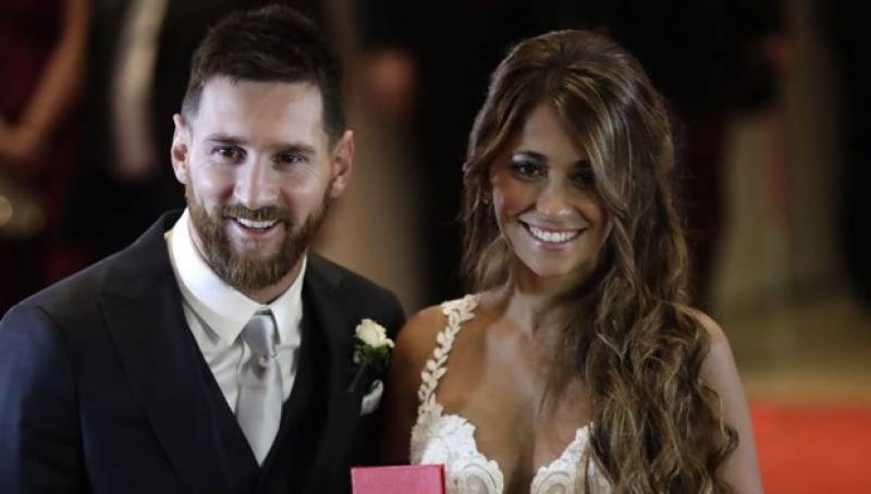 Lionel Messi finally ties knot with childhood sweetheart (Pics)