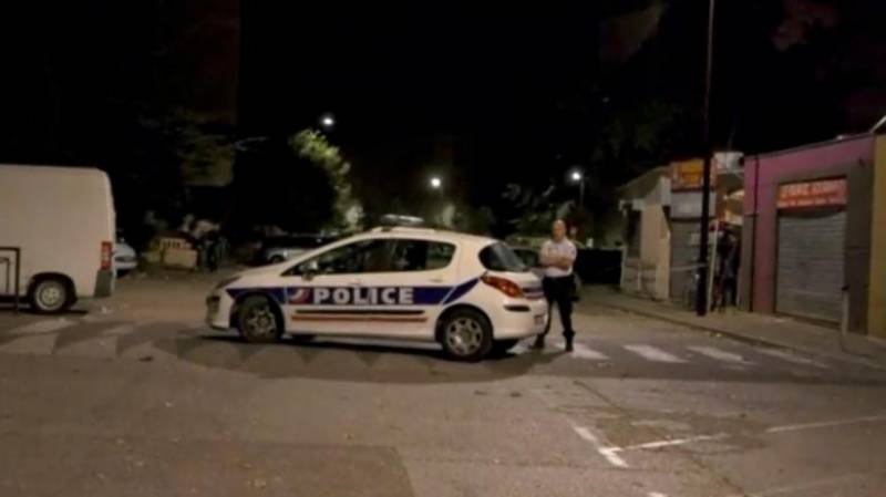 At least 8 wounded in shooting near French mosque