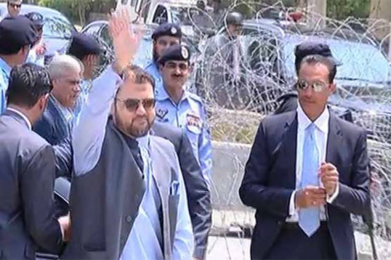 PM Nawaz's son Hussain Nawaz appears before Panama JIT for sixth time