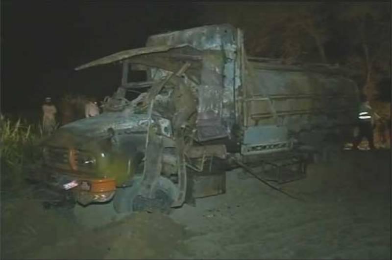 Two oil tankers catch fire in Vehari