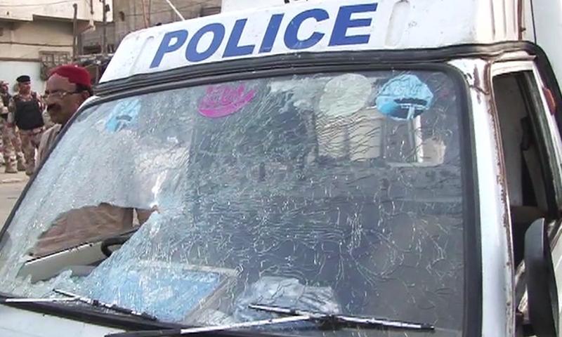 Two policemen martyred in attack on police van in Karachi