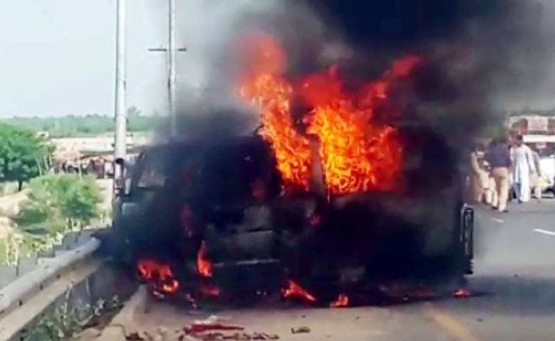 Six of a family burn to death in Karachi as van catches fire