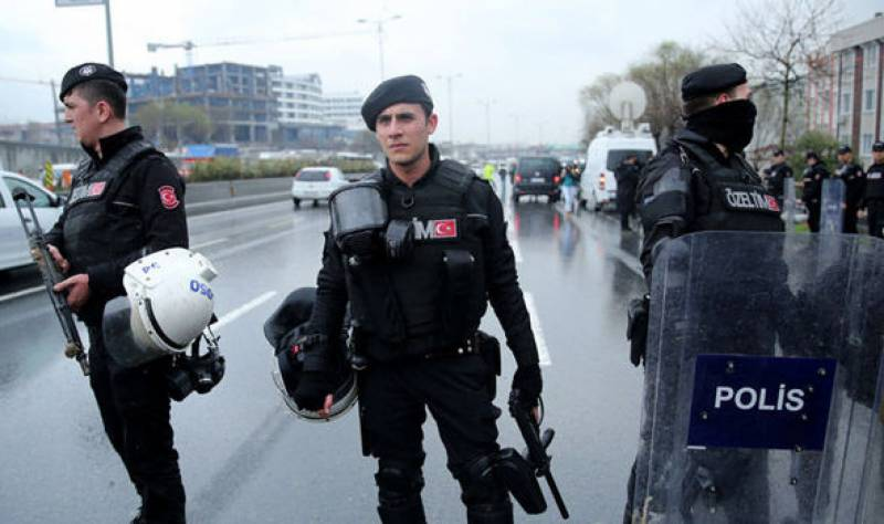 IS terrorist kills Turkish police officer in Istanbul