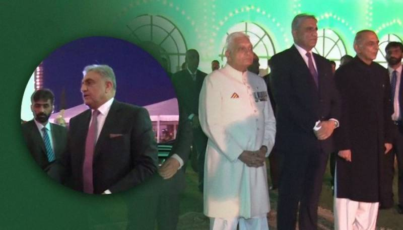COAS Bajwa hosts annual Independence Day dinner for soldiers, retired officers