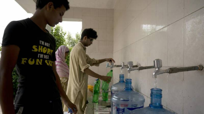 Groundwater contamination endangers millions in Pakistan
