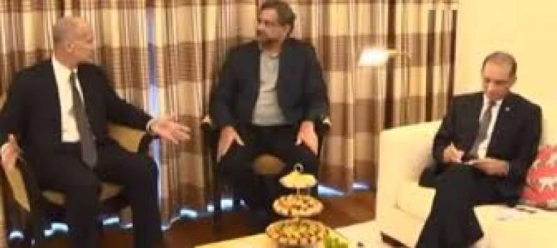 PM Abbasi meets VP of General Electric John Rice in New York
