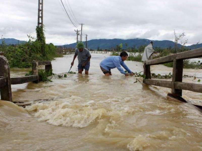 Floods and landslides in Vietnam kill 43, leave 34 missing