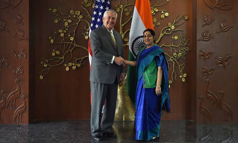 """Extremist groups """"left unchecked in Pakistan"""", Tillerson says in India"""