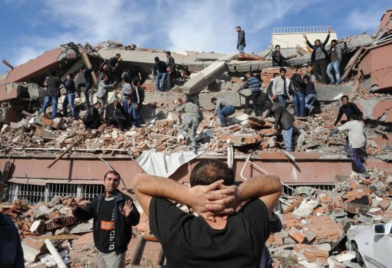 Strong earthquake rocks Iraq, Iran, 240 killed
