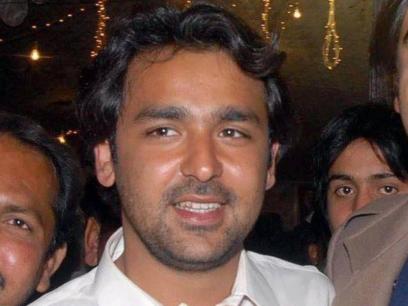 Musa Gillani's guards fired on Imran's convoy: PTI alleges