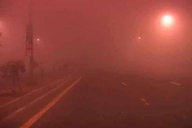 Dense fog engulfs parts of Punjab, Sindh