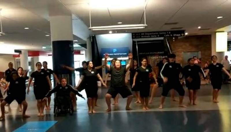Watch: Greenshirts welcomed with 'Haka dance' in Dunedin