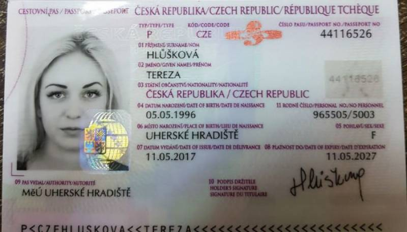 Czech woman trying to smuggle 9-kg heroin arrested