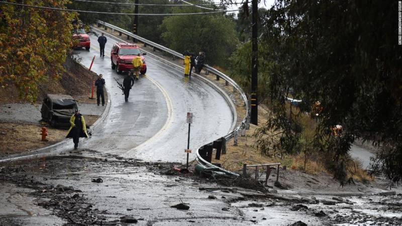 California mudslides kill 17, thousands evacuated