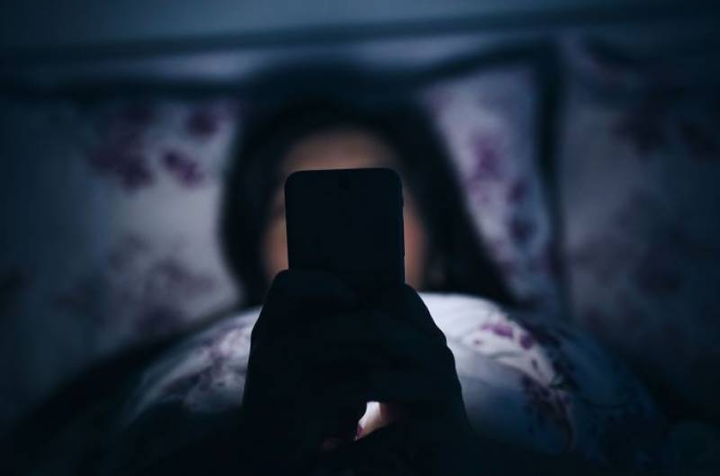 Spending an hour on Social Media can destroy your sleeping routine