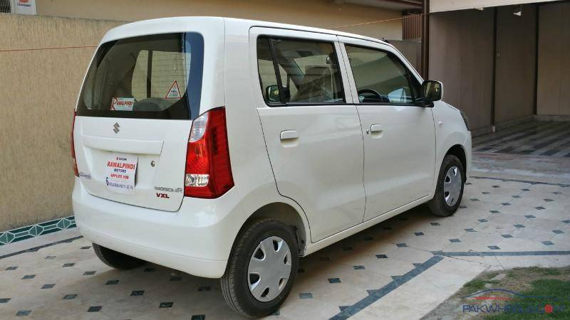 Pak Suzuki Motors stops taking orders of Suzuki Wagon R