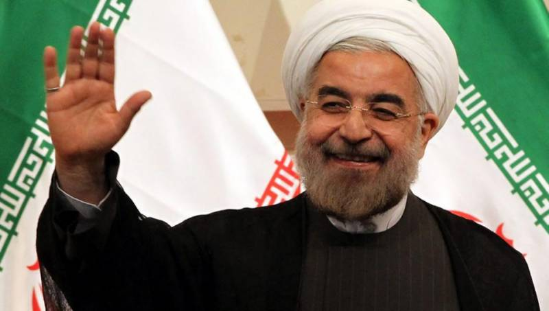 Iran displays missile, Rouhani says US regional policy a failure