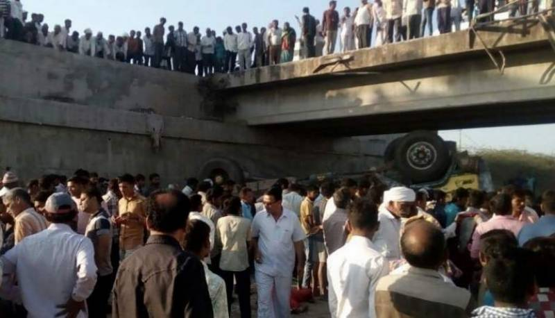 25 killed as wedding party truck overturns