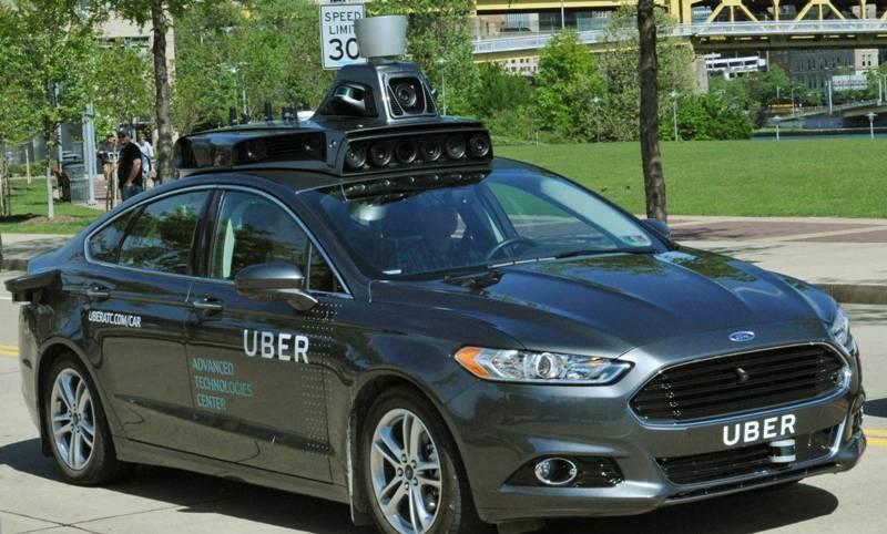 Uber's self-driving car kills woman crossing street