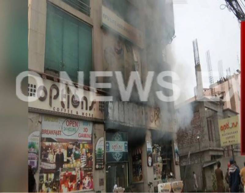 5 dead as fire erupts in bakery of Lahore Barkat market