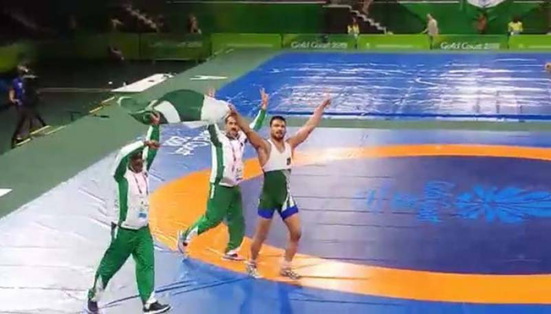 Mohammad Inam wins Pakistans first gold medal at Commonwealth Games