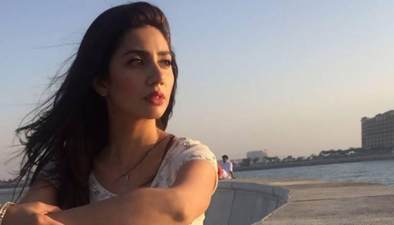 Watch:Mahira Khan's new video with his makeup artist surfaced