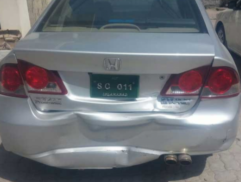 CJP's convoy faces accident while heading towards Mansehra