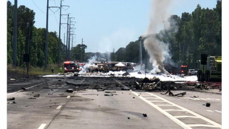 9 killed as military plane crashes