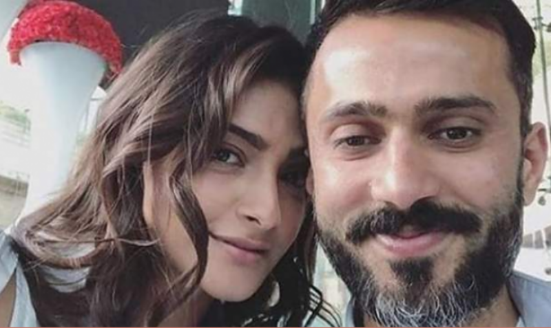 Sonam Kapoor-Anand Ahuja new pictures go viral