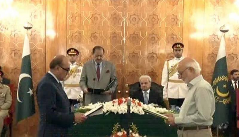 Khalid Lodhi, Misbahur Rehman take oath as caretaker ministers