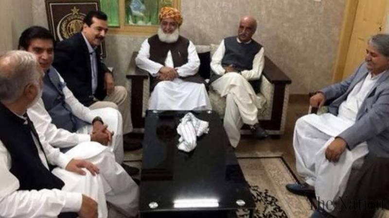 Opposition vows to give tough time to PTI in and outside Parliament