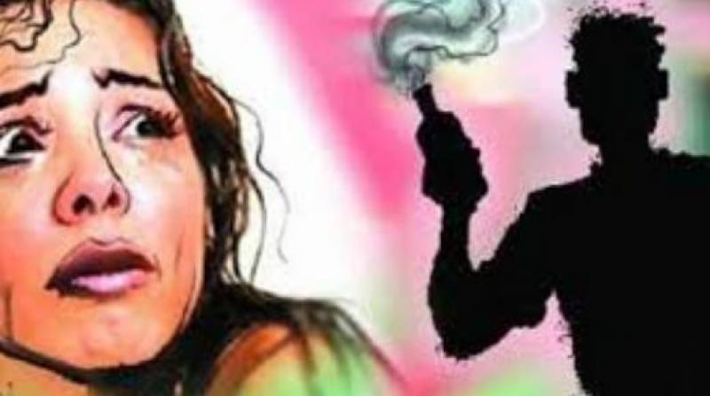 6 including 5 women come under acid attack in Lahore