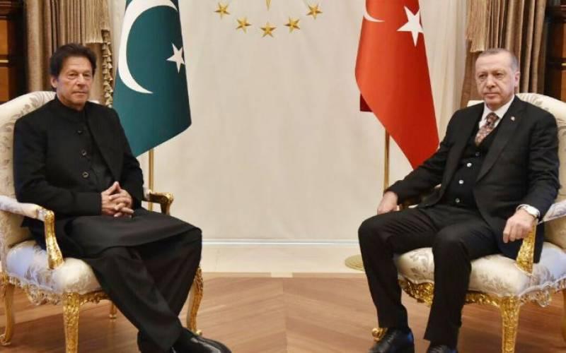 PM Imran, Turkish President Erdogan discuss bilateral ties in Ankara