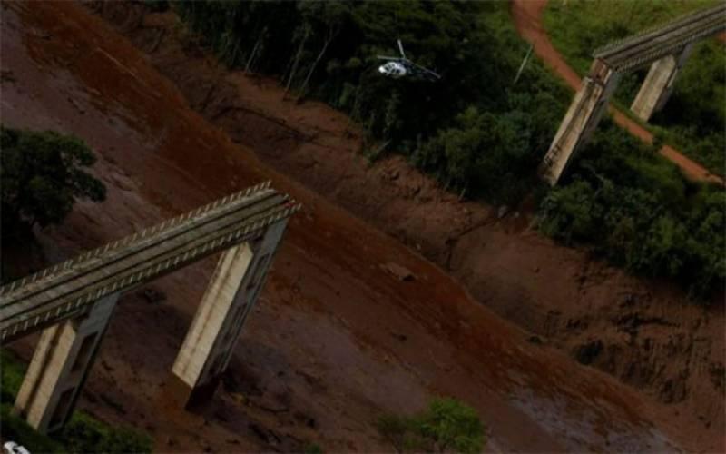 Nine dead, more than 300 missing in Brazil dam collapse