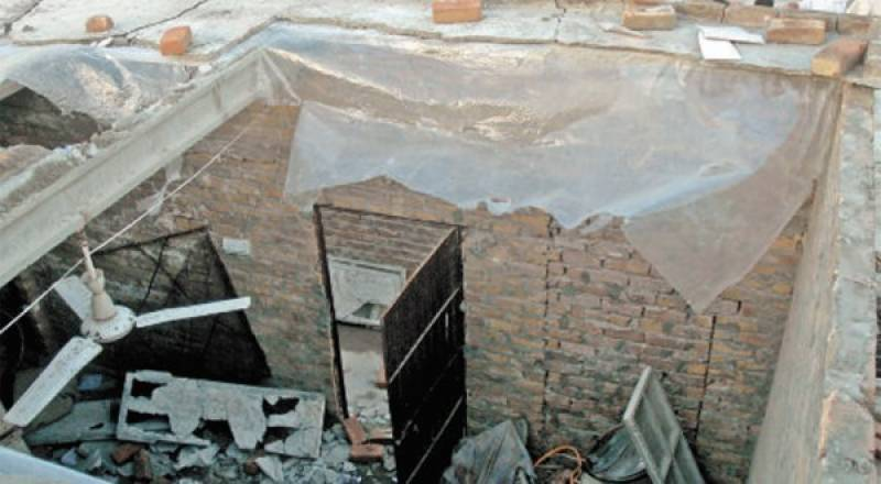 Four of same family killed as Multan house roof caves in due to rain