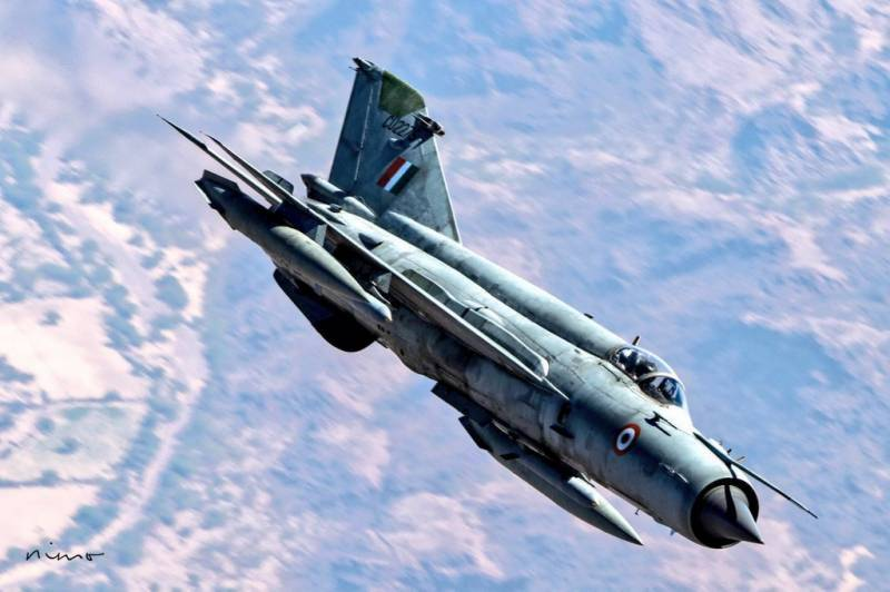 Indian Air Force loses third mig-21 after jet crashes in Rajasthan
