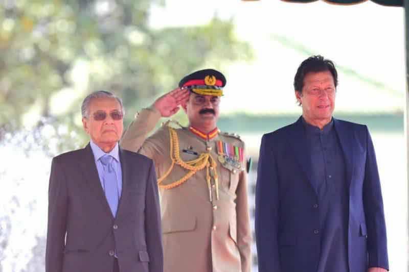Imran Khan, Mahathir Mohamad vow to combat Islamophobia