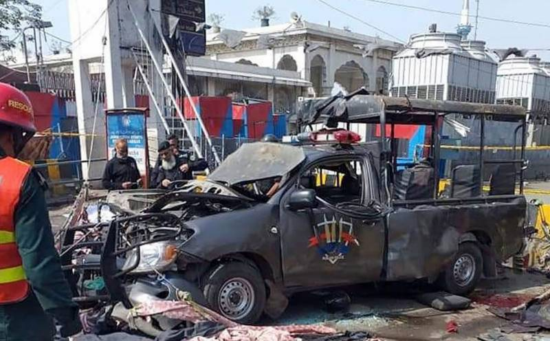 Death toll from suicide blast outside Data Darbar shrine rises to 11