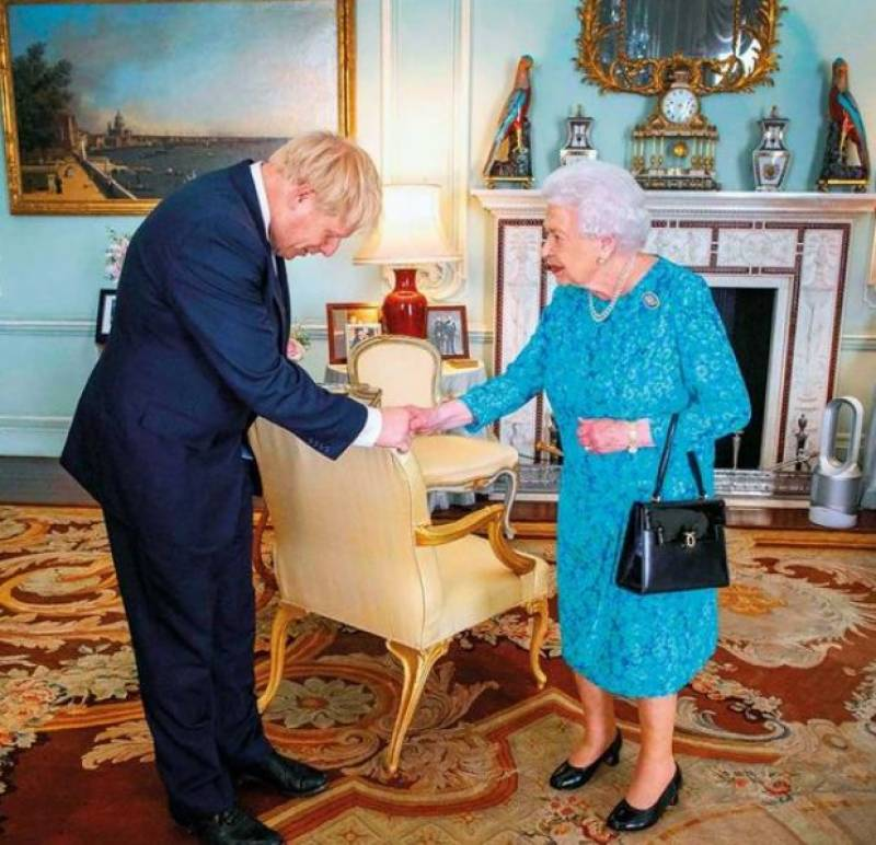 Queen approves PM Johnson's request to suspend UK Parliament ahead of Brexit deadline