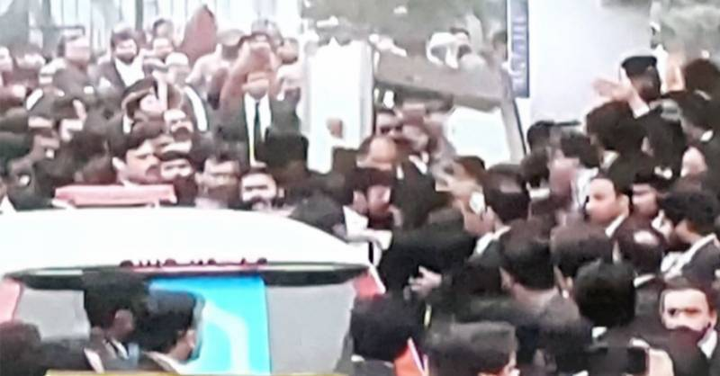 Angry lawyers storm Lahore's cardiac hospital, casualties reported