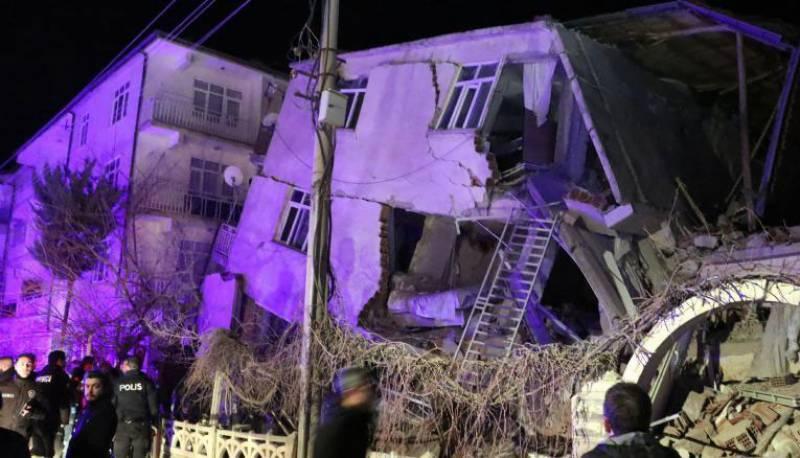 18 dead, hundreds hurt as quake hits eastern Turkey