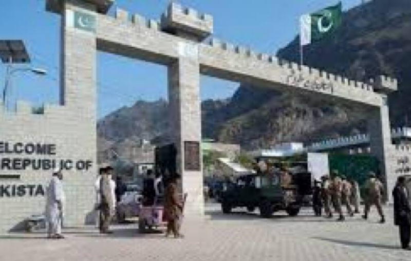 Govt announces opening of Torkham, Chaman borders with Afghanistan