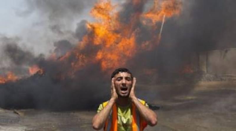 Israeli warplanes bomb Gaza after warning Hamas it risks war