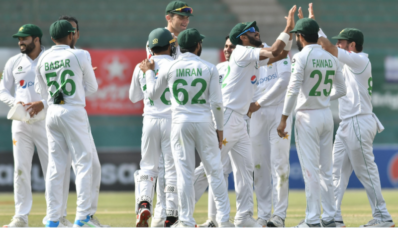 1st Test: South Africa all out for 220 against Pakistan