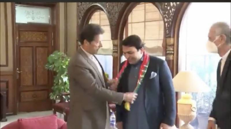 Newly elected Senator from Balochistan Abdul Qadir joins PTI