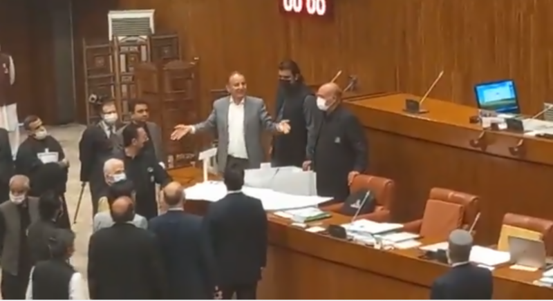 48 newly-elected Senators take oath