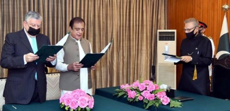 Shibli Faraz, Shaukat Tareen sworn in as federal ministers