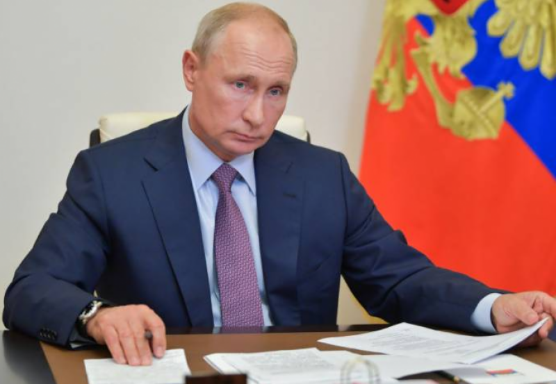 Putin says Russia and US must find ways to improve ties